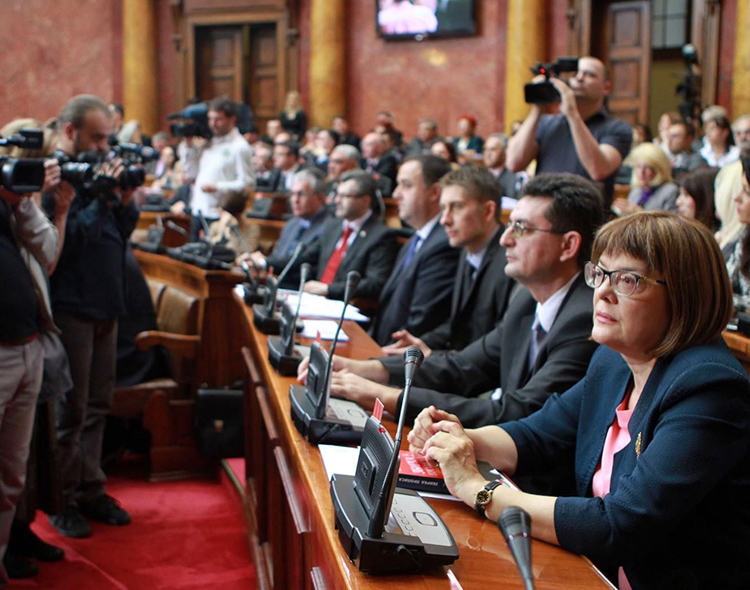 Naprednjaci odbili i da raspravljaju o zabrani reklamiranja političkih stranaka