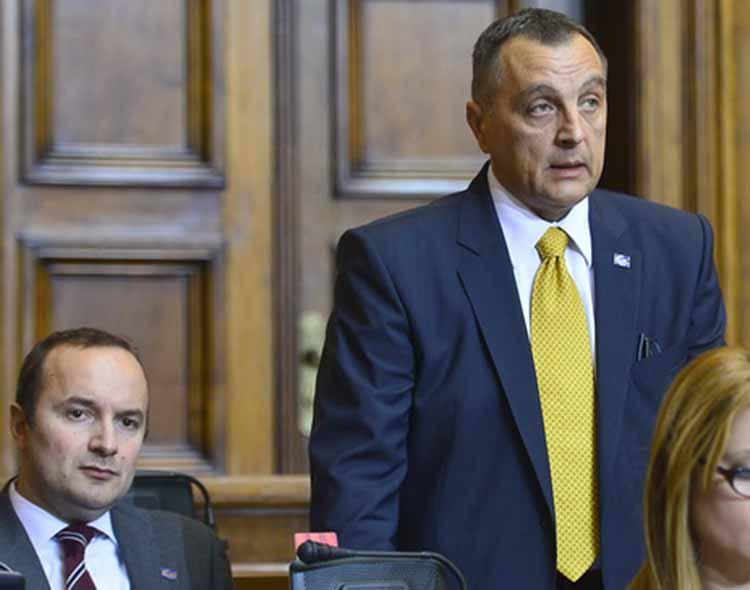 Gašićeva je greška što se ugledao na Vučića!