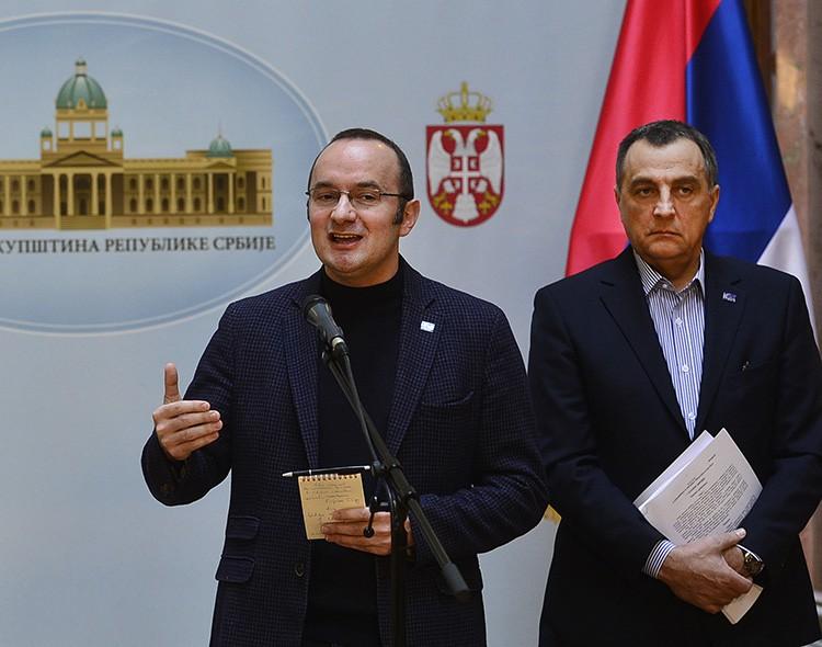 Živković i Pavićević postavili poslanička pitanja