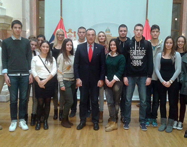 Živković ugostio srednjoškolce u Narodnoj skupštini