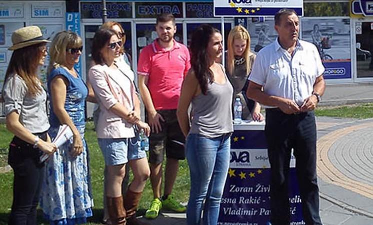 Živković razgovarao sa građanima Surčina