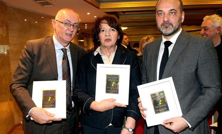 Vesni Rakić Vodinelić uručena Povelja za građansku hrabrost
