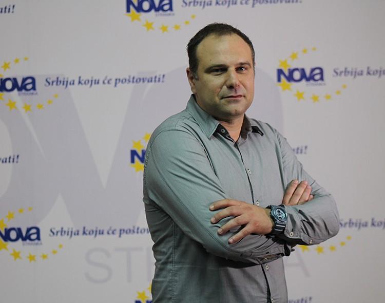 Jovanović: Tendenciozno i svesno uništavanje Srbije nastavljeno javnom pljačkom