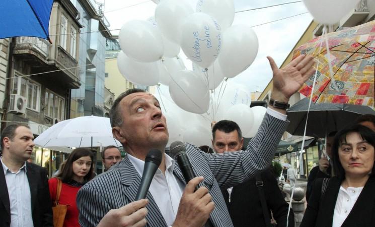 Živković pustio balone s neispunjenim Vučićevim obećanjima