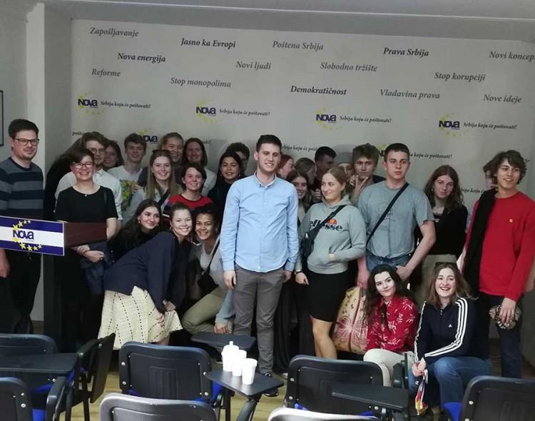 Danski đaci u poseti Forumu mladih Nove stranke