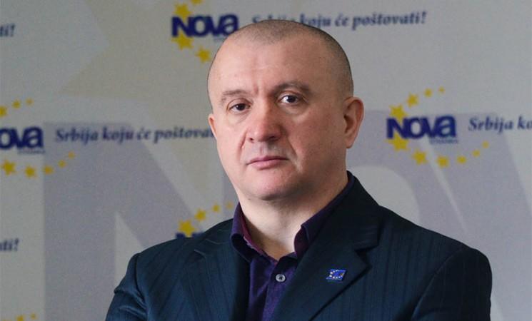 """Miletić: Beograd """"bez rupa"""" na naprednjački način"""