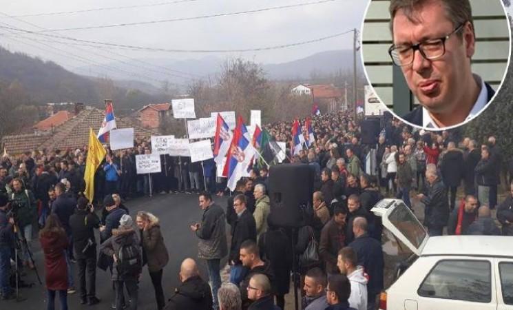 Nesposobnost i licemerje Aleksandra Vučića ugrožavaju bezbednost Srba na KiM