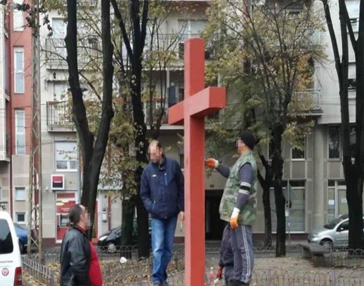 Farbanjem Vozarevog krsta nastavljeno urušavanje opštine Vračar