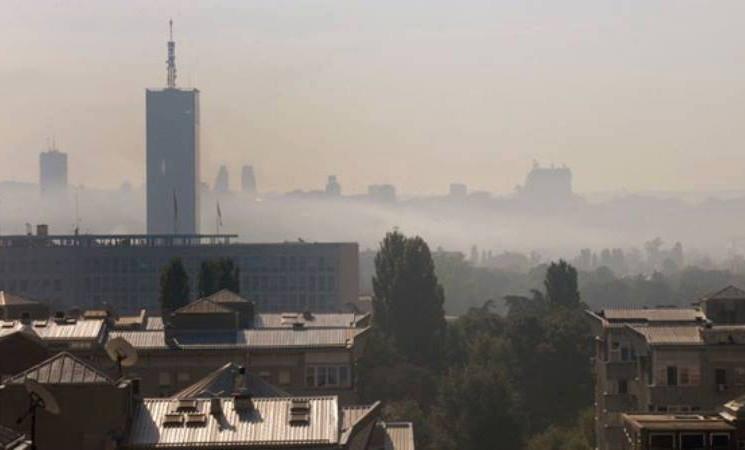 Beograđani se guše u smogu, gradska vlast ćuti