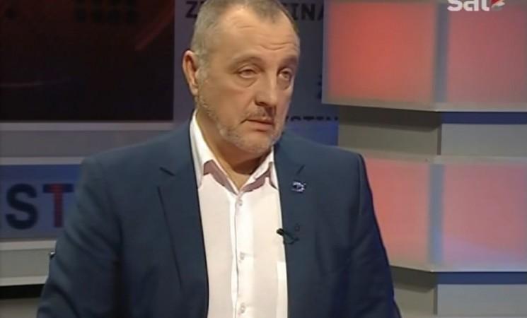Živković za RTCG: Vučić lažno i farsično pokušava da kopira Đinđića