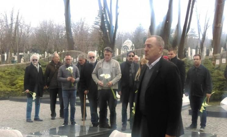 Duboki naklon članova Nove stranke uspomeni na velikog Zorana Đinđića