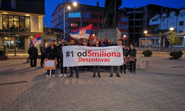 Nakić na skupu u Despotovcu: Protestujemo da jednog čoveka zamenimo sistemom