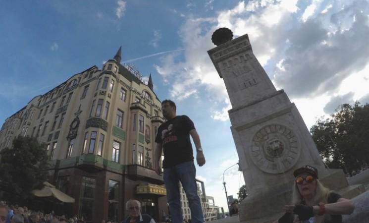 Movsesijan: Vreme je da Vučića gledamo samo na History channel-u