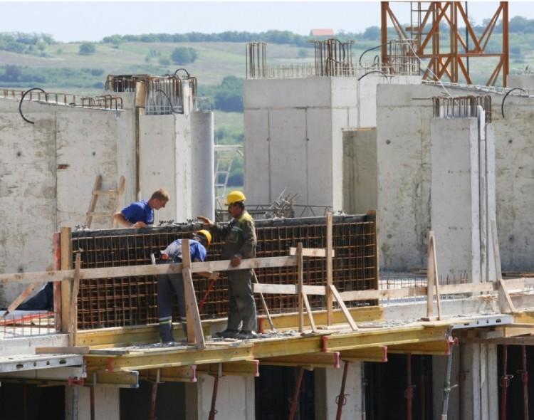 Hitna reakcija nadležnih umesto igranja životima radnika na gradilištima