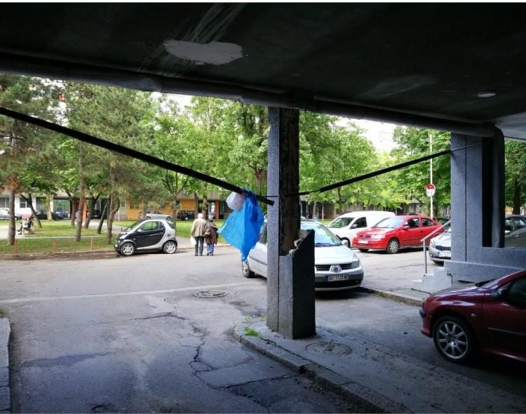 Beogradske elektrane već mesec dana ne saniraju problem u Bulevaru Mihajla Pupina