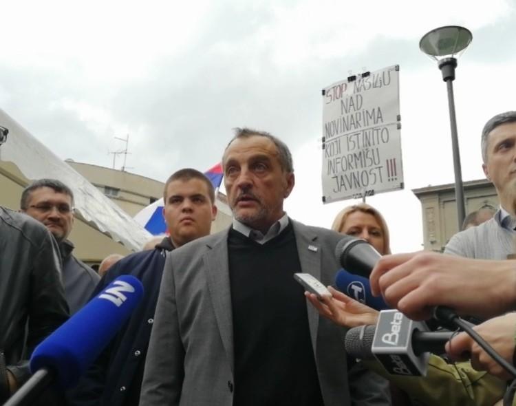 Živković: Slobodna zona na mestu odakle i treba rušiti samozvanog predsednika