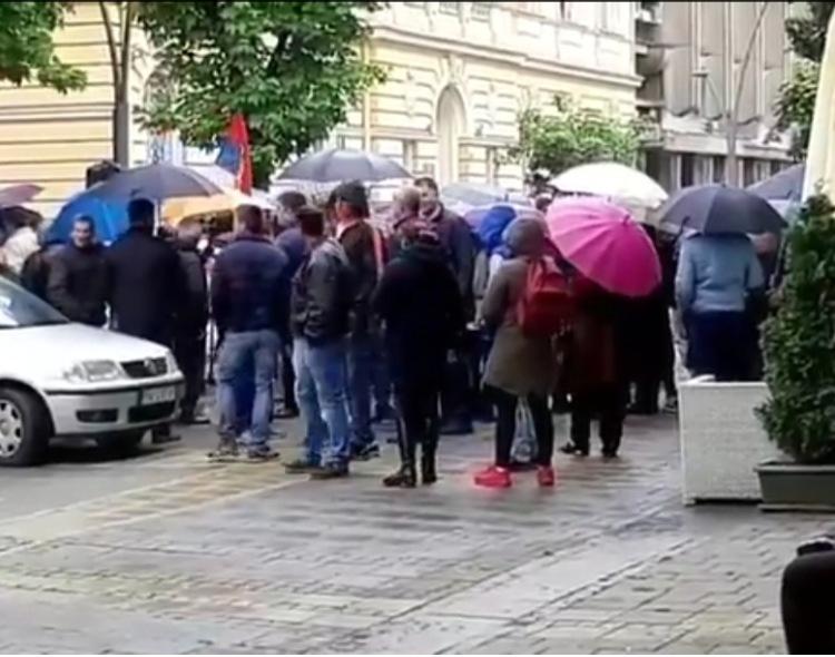Sramni zvižduci naprednjaka Odi Radosti u Šapcu