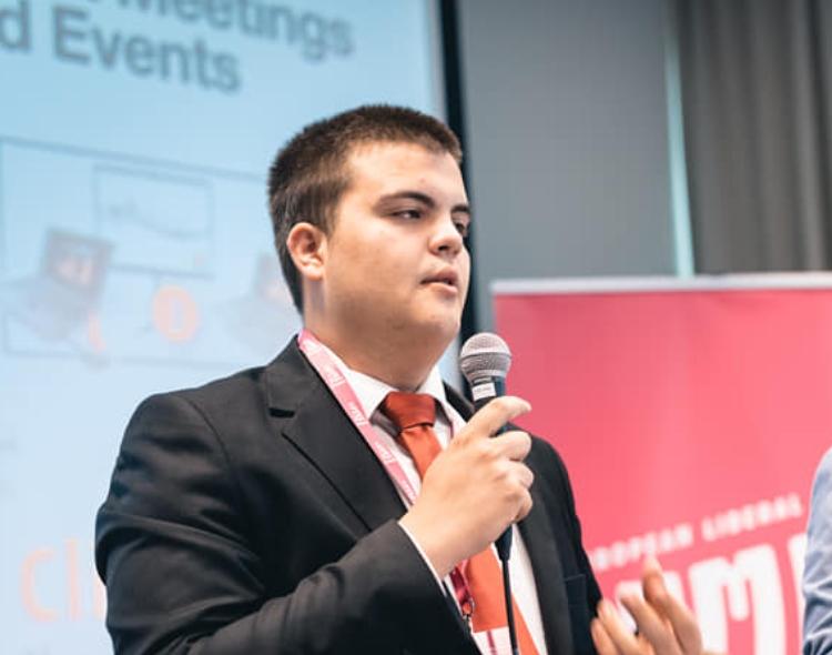 Član Foruma mladih NOVE Marko Živković na samitu u Sarajevu o liberalnoj budućnosti Evrope