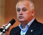 Vesiću, nastavi da slušaš Novu stranku, imaćeš šta i da naučiš i čuješ!