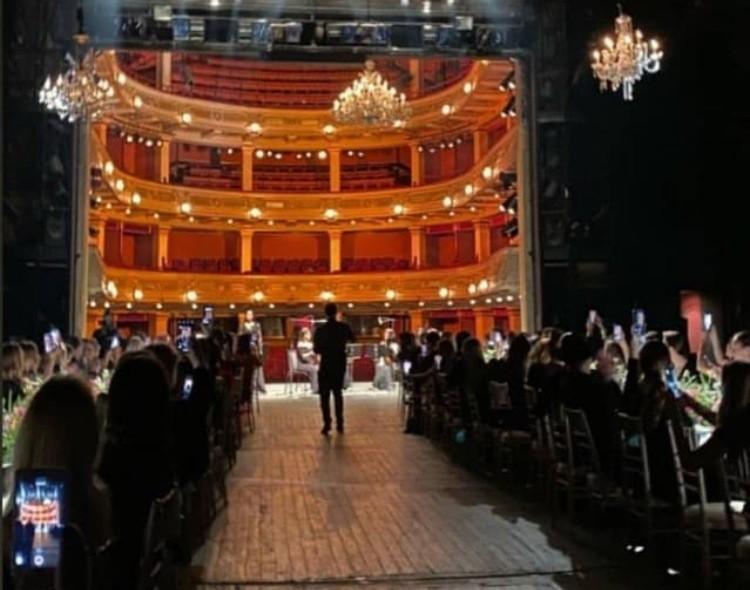 Forum mladih NOVE najstrože osuđuje kafansko slavlje na velikoj sceni Narodnog pozorišta
