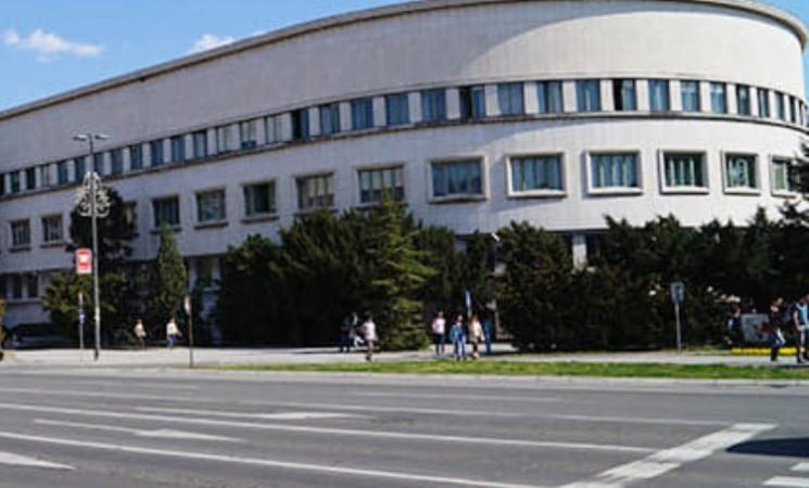 Zaposlenima u Pokrajinskoj vladi zaprećeno otkazom ako dođu na posao tokom Vučićeve posete