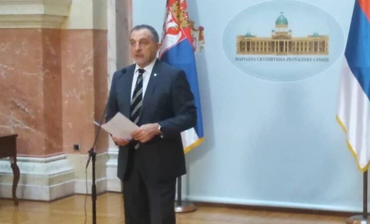 Živković u Parlamentu: Pored šuma i parkova, SNS-ovci počeli da seku i železničke pruge