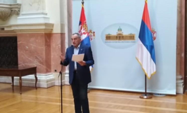 Živković u Parlamentu: Smesta povući sraman Zakon o nestaloj deci