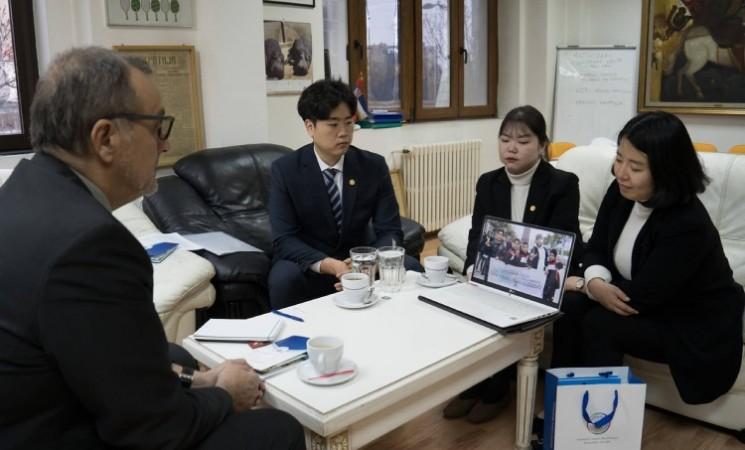 Delegacija mirovne organizacije iz Južne Koreje na sastanku sa liderom NOVE Živkovićem
