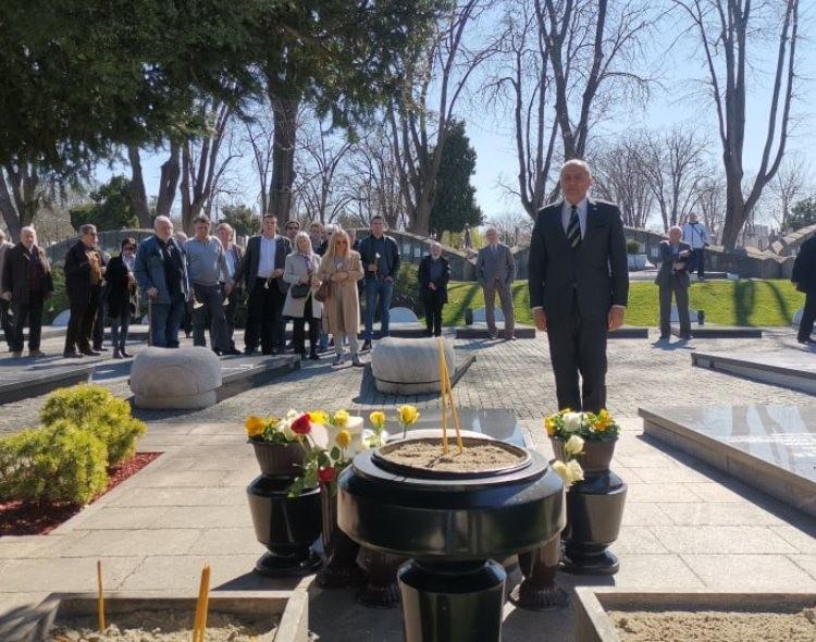 DUBOKI NAKLON ČLANOVA NOVE STRANKE: Srbiju moramo vratiti na put Zorana Đinđića