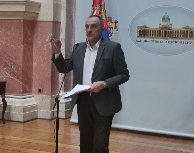 Živković u Skupštini: Borba je obaveza svih nas, kako bi Srbija postala normalna država