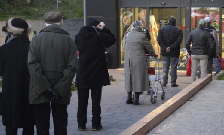 Starijim sugrađanima za vikend omogućiti odlazak u kupovinu u popodnevnim časovima