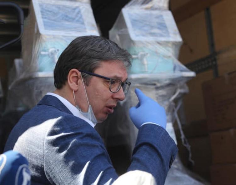 Samozvani lekar i epidemiolog Vučić najavljuje građanima Srbije nepostojeću vakcinu