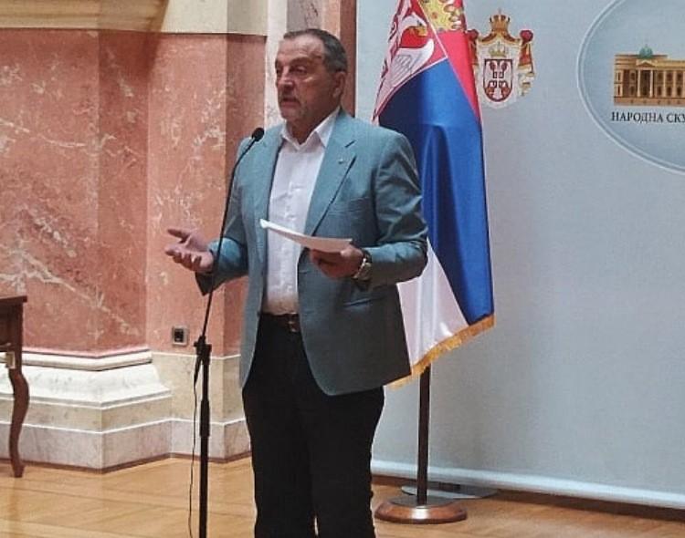 Živković u Skupštini: Odgovorni ljudi ne beže sa megdana